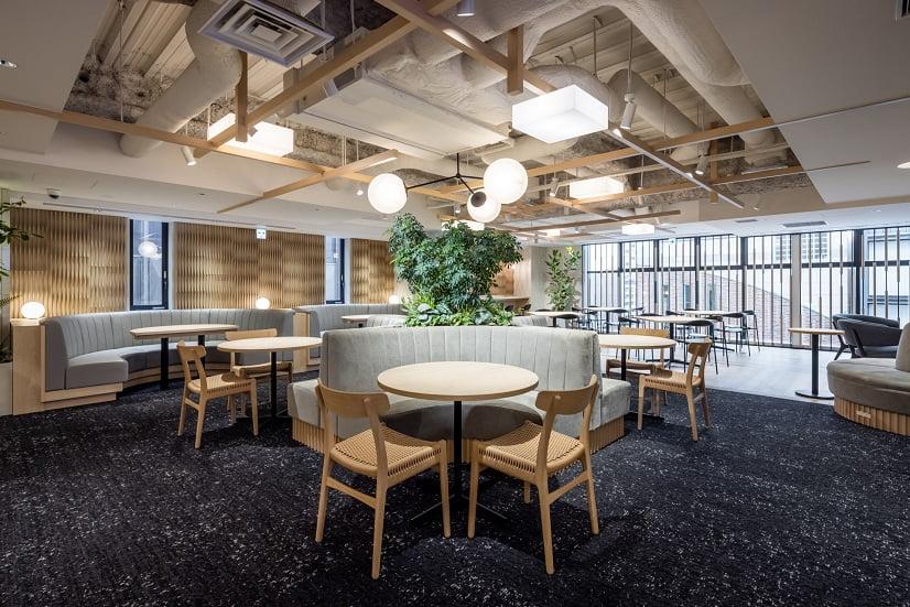 コワーキングスペース「ビジネスエアポート京橋」の共有スペース